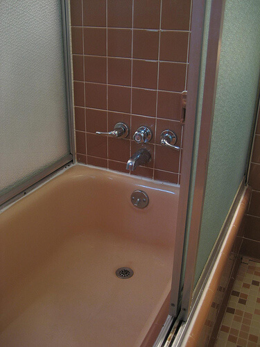 Susan becomes a fan of her 1962 pink jack 39 n jill bathroom - Jack n jill bath ...