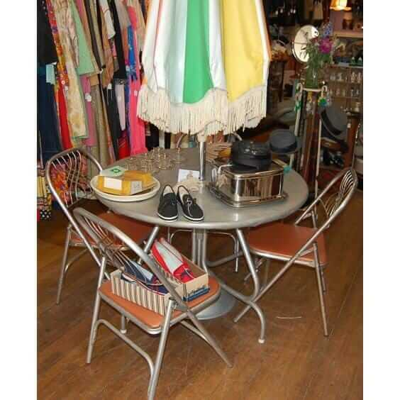 vintage aluminum patio table and chairs