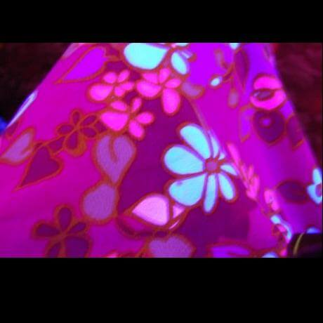 hawaiian dress under blacklight