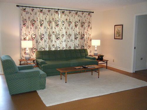 vintage-kroehler-living-room