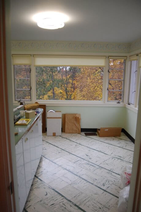 white-kentile-floor-green-trim