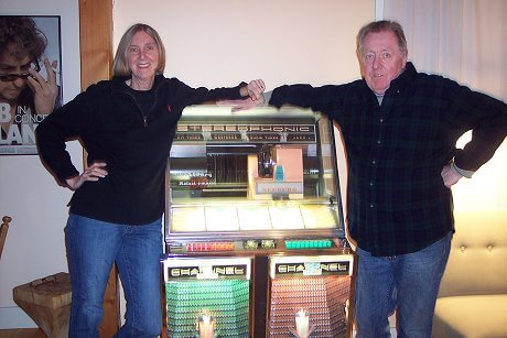 bob-and-kaarin-and-their-seeburg-juke-box