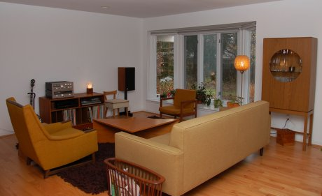 mid-century-living-room-butterscotch