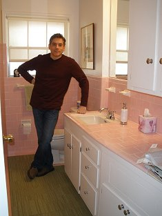 michael-in-his-pink-bathroom-235