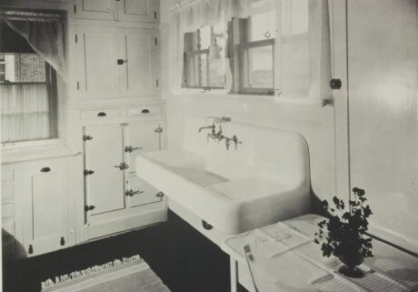 16 vintage Kohler kitchens - and an important kitchen sink ...