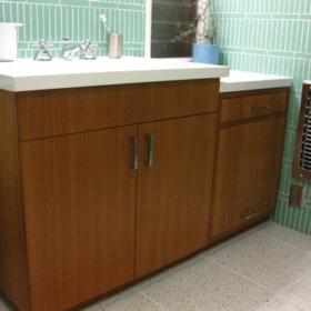 midcentury bathroom with green tile