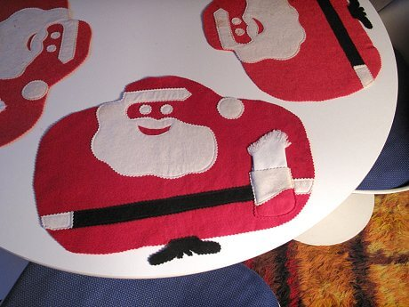 vintage santa placemats made from felt