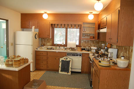 1970s vintage lighting and more in this 1974 time capsule for 70s kitchen remodel ideas