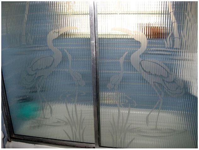 shower doors with herons or cranes
