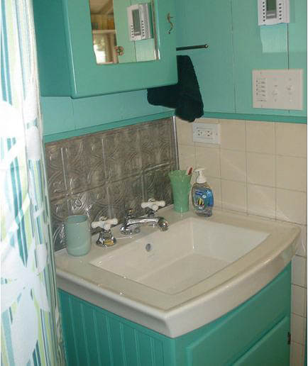 cottage bathroom painted fire king green