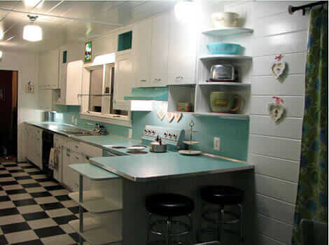 Create a large fabulous retro kitchen and breakfast room for 50s kitchen ideas