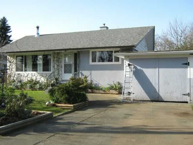 Help Christa Choose An Exterior Paint Color For Her 1961 House Retro Renovation