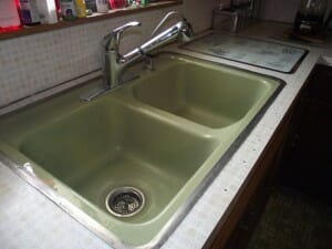 avocado kitchen sink with metal rim