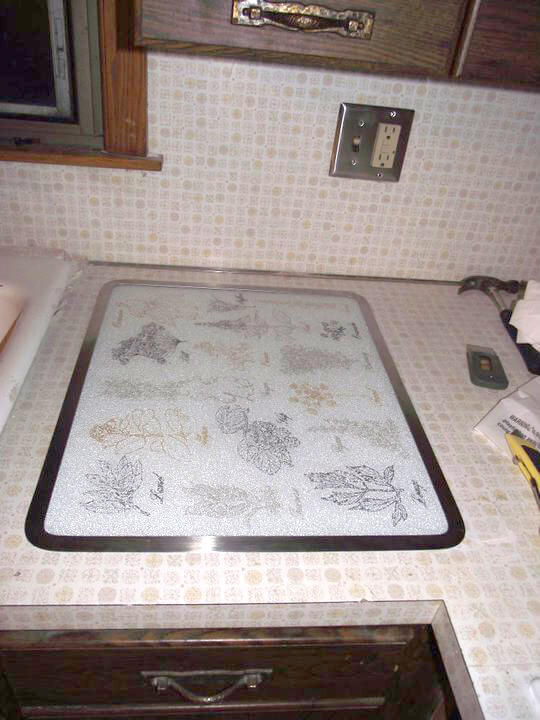 built-in-countertop-trivet-and-hot-plate