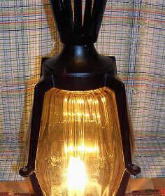 vitnage wrought iron post light