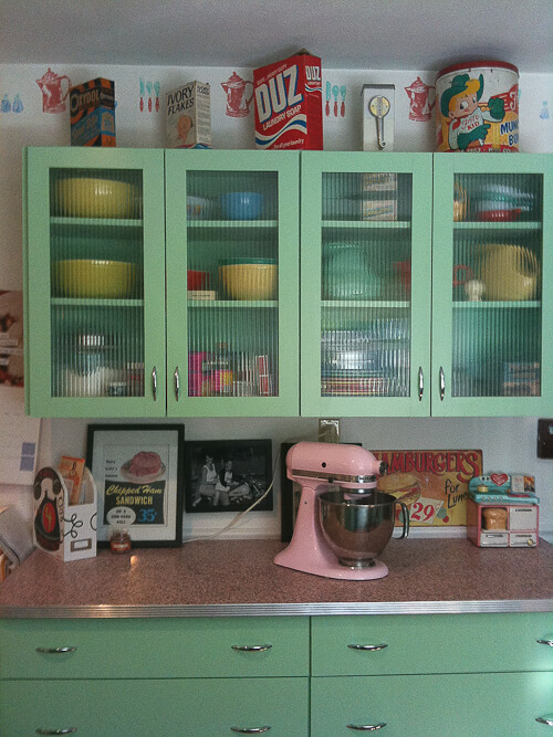 6 ideas from Karen's retro kitchen remodel -- including pink ...