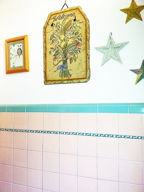 pink and turquoise bathroom