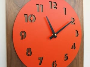 uncommon retro modern clock