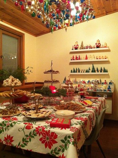 Retro Christmas with cookies