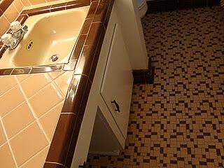 peach and brown bathroom