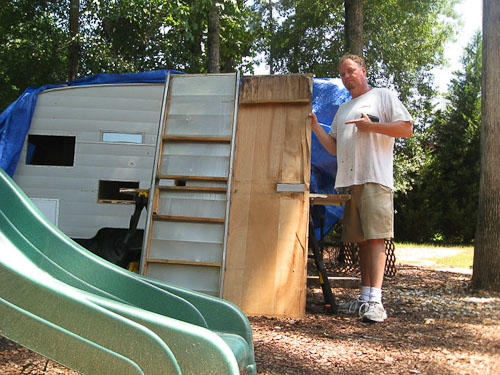 pete working on the shasta trailer