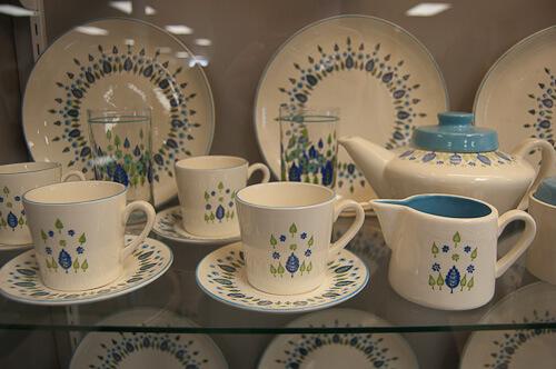 midcentury dinnerware