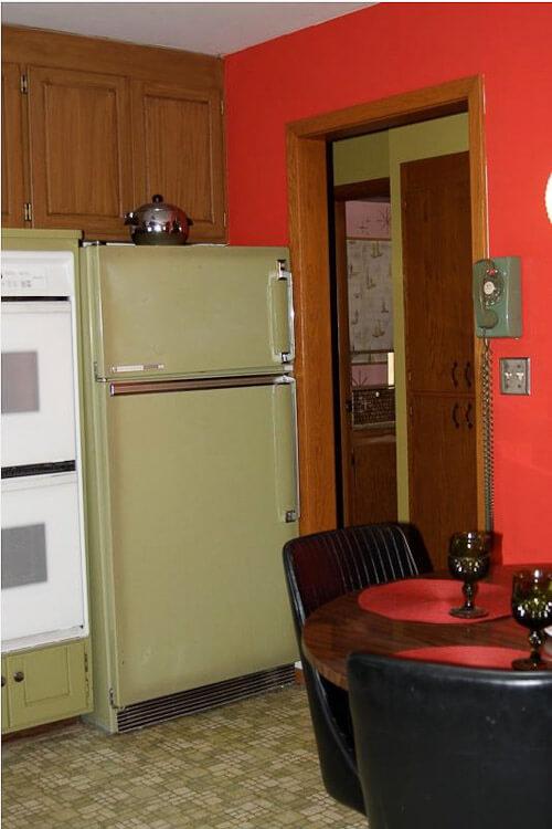 Jon Amp Trixi Create A 1970s Avocado Kitchen With Rust Oleum