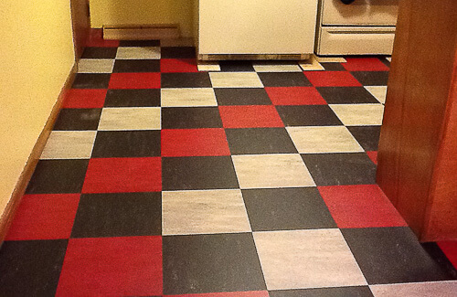 John 39 s kitchen before and after linoleum tile flooring for Checkered lino flooring