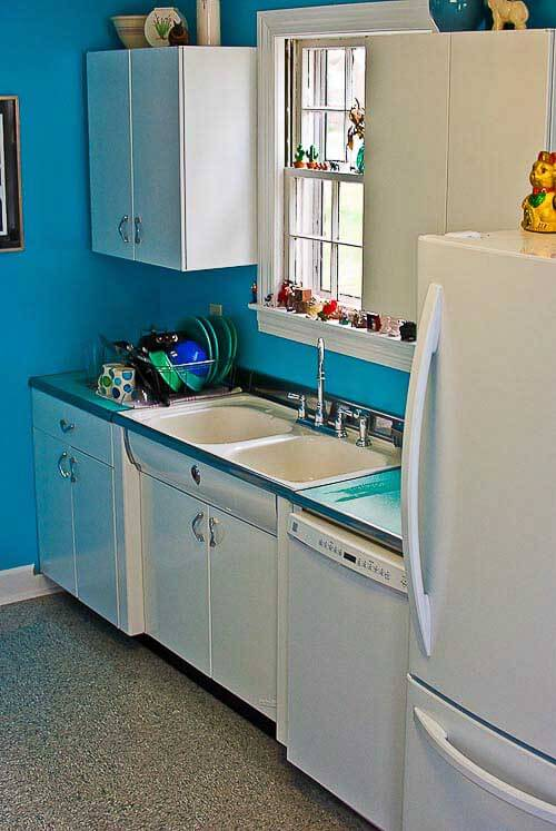 Brian Keri 39 S Happily Ever After 7 000 Kitchen Remodel Retro Renovation
