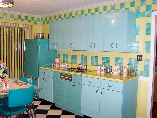 Lori 39 s pink blue and yellow retro kitchen a whole lot of for Blue and yellow kitchen decorating ideas
