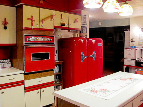 country kitchen trimmed in red