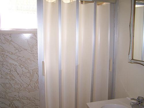 accordian shower door