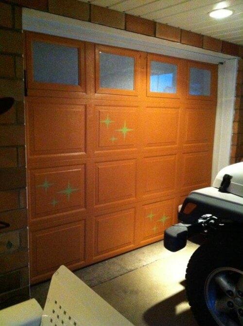 starburst stencils on a garage door
