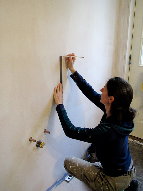 marking walls for wallpaper installaton
