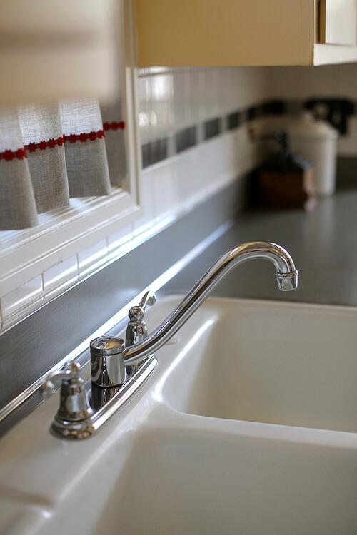 1930s style kitchen faucet