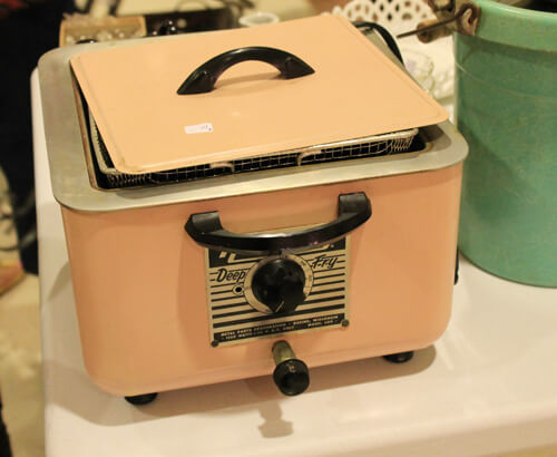 retro pink deep fryer