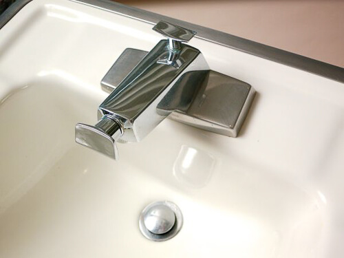 Great Rare vintage bathroom sinks and faucets from Truman Newberry house Retro Renovation
