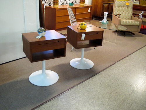 saarinen tulip table side tables