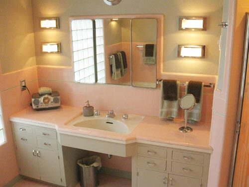 Terrific bathroom tile ideas from 12 reader bathrooms for Pink and grey bathroom decor