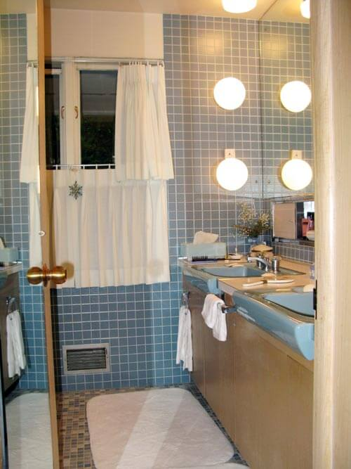 1960s blue tile bathroom retro renovation for 1960s bathroom design