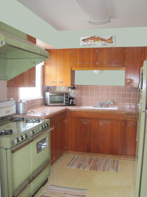 Original-green and mauve Kitchen-painted