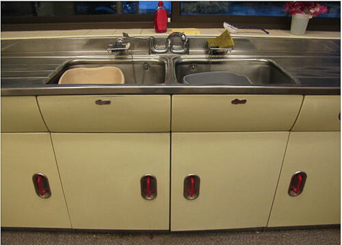 A Vintage 1956 English Rose Kitchen Including Revo Oven