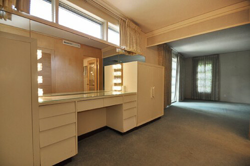 dressing room in 1950 mid century modern house