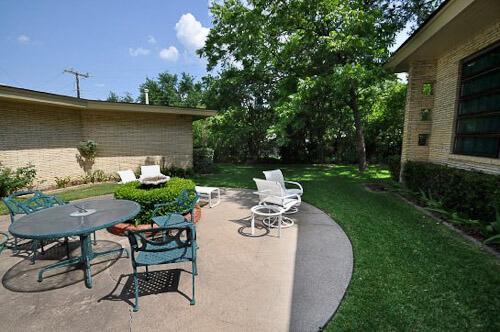 round concrete patio