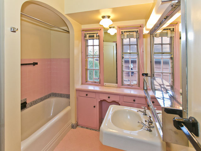 Pink Bathroom In 1940 Time Capsule House