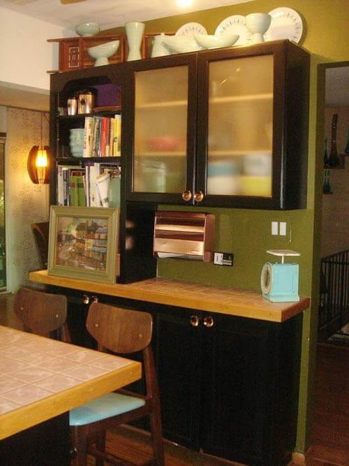 modern-retro-kitchen-green