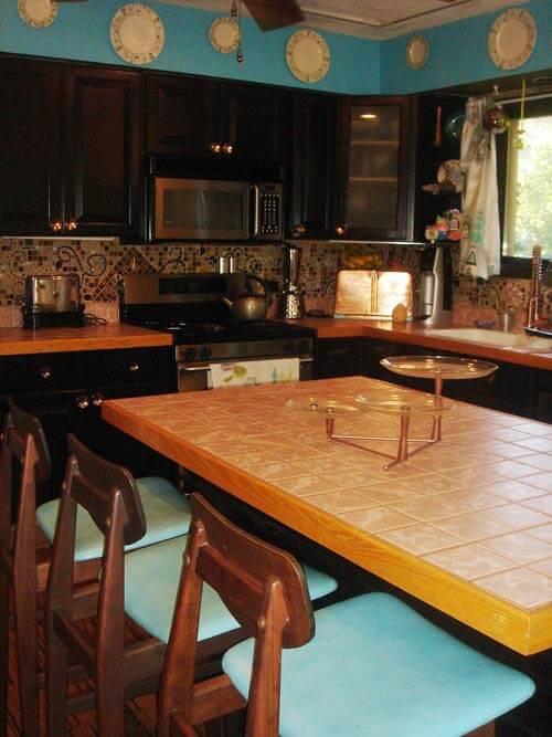 modern-retro-kitchen-turquouise