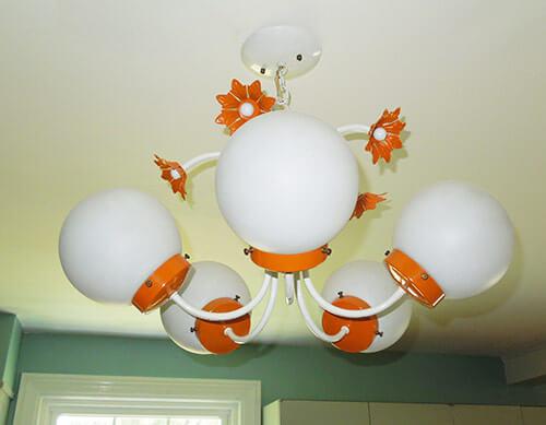 retro-70s-ceiling-light