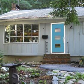 Ranch-with-crestview-door-blue