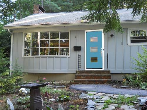 Ranch-with-crestview-door-blue